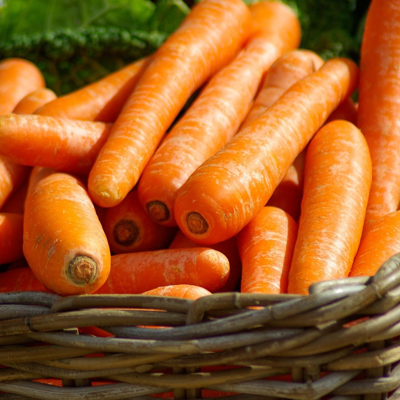 1Kg Local Carrots