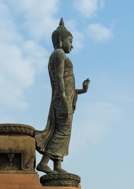 Ten Steps to Walking Mindfully buddha