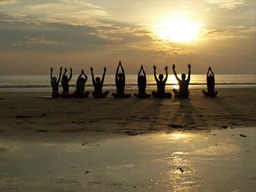 Yoga United Blog sunset beach